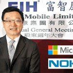 FOXCONN compra el negocio de MICROSOFT: NOKIA venderá móviles.