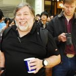 Steve Wozniak opina que Apple debería/podría ofrecer un móvil con Android. Analizamos la situación.