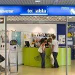 MOVISTAR se centra en abrir más tiendas ahora que encarece sus servicios y tarifas.